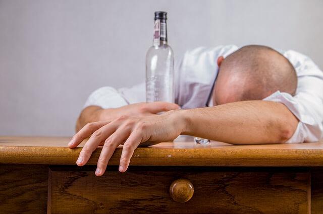 Alcohol Adicciones - Catedra abierta de Psicologia y Neurociencias